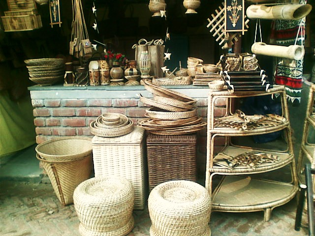 A Visit To Dilli Haat Indian Craft Bazaar Spinning A