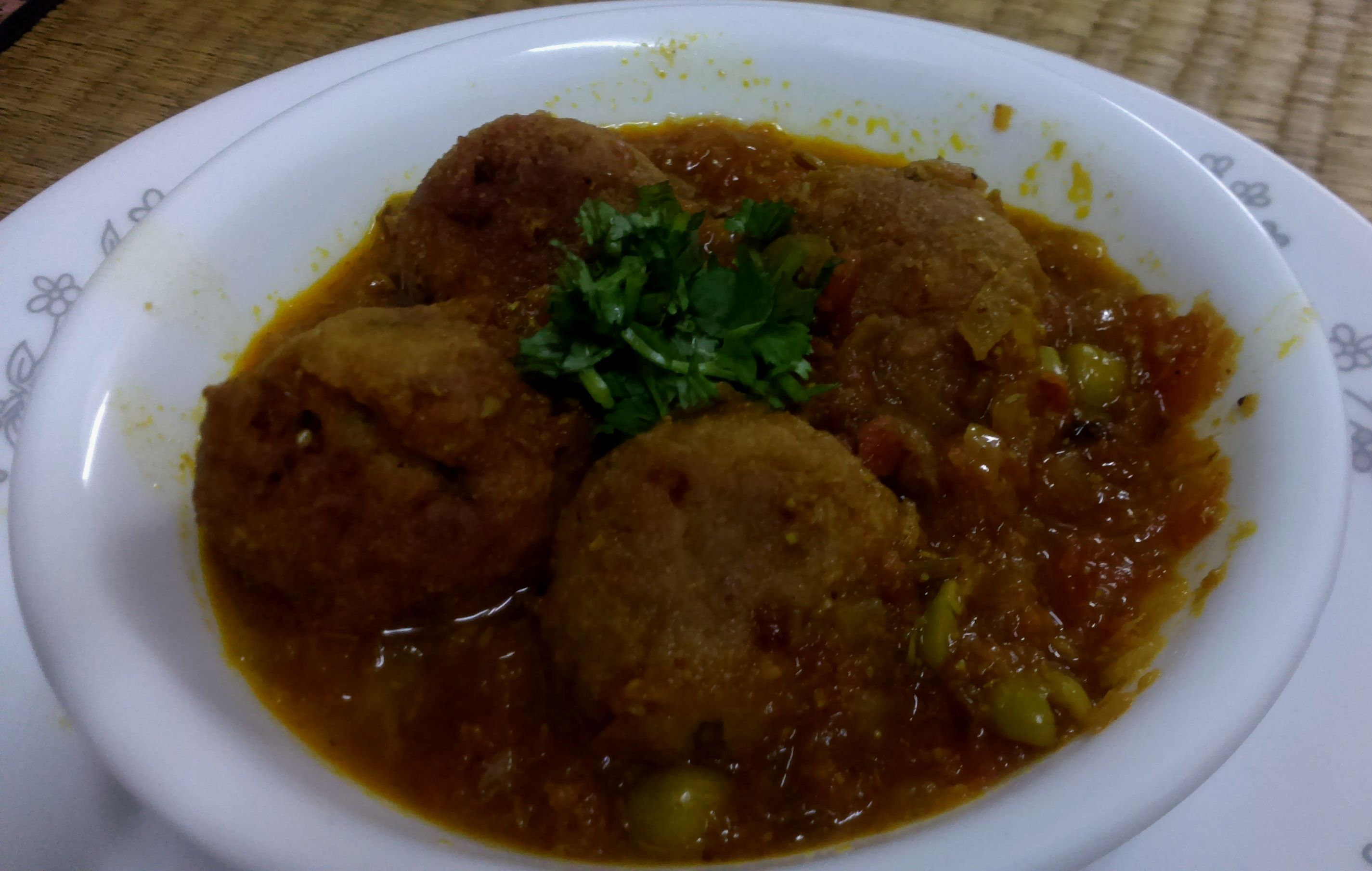 Recipe – Elephant Yam Dumpling Curry (Suran Kofta Curry) | Spinning ...